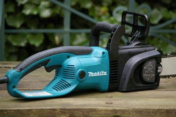The makita chainsaw uc3530a review our top rated electric chain saw makita chainsaw handles greentooth Images