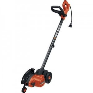 Electric lawn edger: Black and Decker LE750