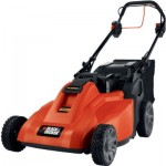Black and Decker SPCM1936 cordless lawn mower: self-propelled with 36V removable battery