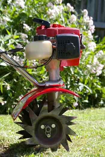 Mantis rototiller: tines and powertrain